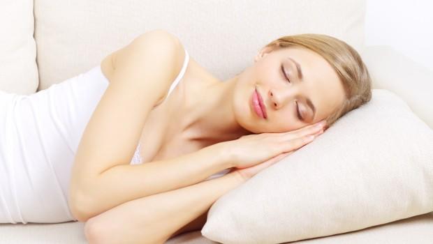 דום נשימה בשינה הוא הפרעת שינה אשר מתבטאת בהפוגות או הפסקות קצרות של הנשימה במהלך השינה. דום נשימה בשינה מתחלק לשני סוגים עיקריים הכוללים דום נשימה חסימתי או דום נשימה […]